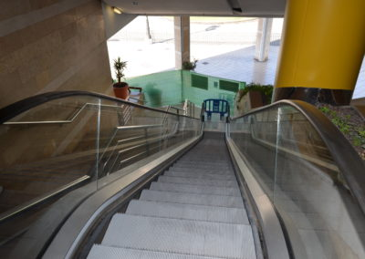 Installation and commissioning of escalators