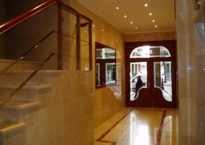 Acabados en portales incluyendo madera
